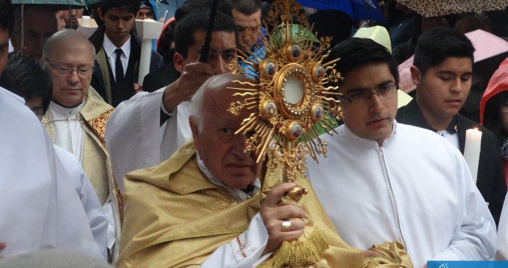 Mons bendición santisimo